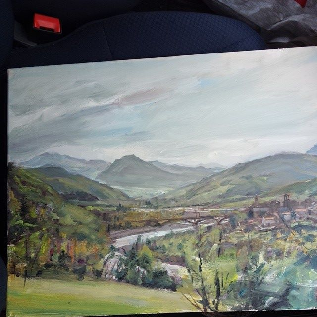 In the car freshley painted heading home - Piacenza is AMAZING for painting!!!! Castles, hills, mountains, valleys, vineyards villages, villas... incredible!!